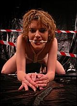 HARDE SM KELDER PORNO EN SEKSFILMS - BONDAGE LAK EN LEER SEKSFILMS EN PORNO