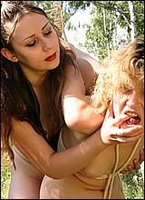 dominante vrouwen - slavenseks - sekfilms - lak leer lesbische slavenseksfilm